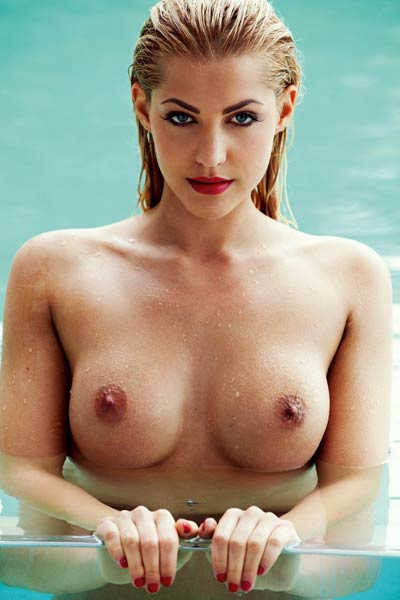 Big titted blonde Sarah Nowak shows us her breathtaking fake body