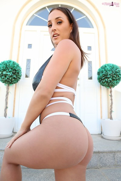 Stacey Poole in Vol 7 Set 1 from Pinup Files