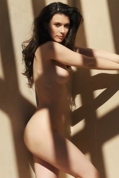Perfect Muirina Fae has a nicest all natural body and she knows to work with that