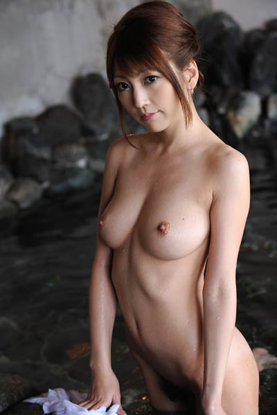Blossoming young All Gravure Model Kaede Matsushima charming in Night Pleasure
