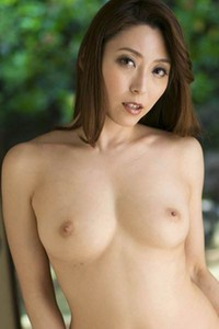 Bloomed All Gravure Model Yuuko Shiraki gets naked and shows her mind-blowing sex appeal