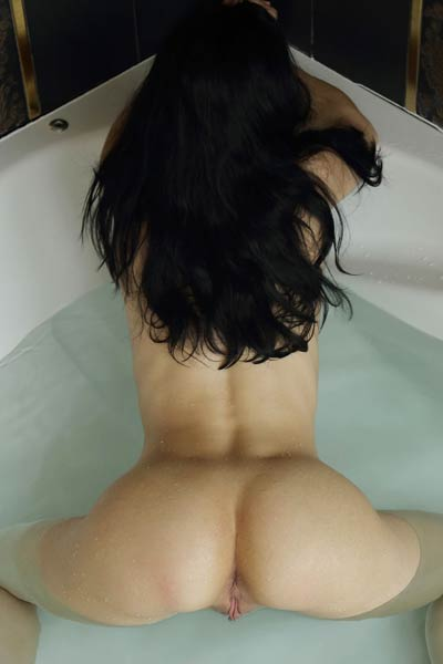 Get in the bathroom of Irida and enjoy her slender body in the bathroom tub