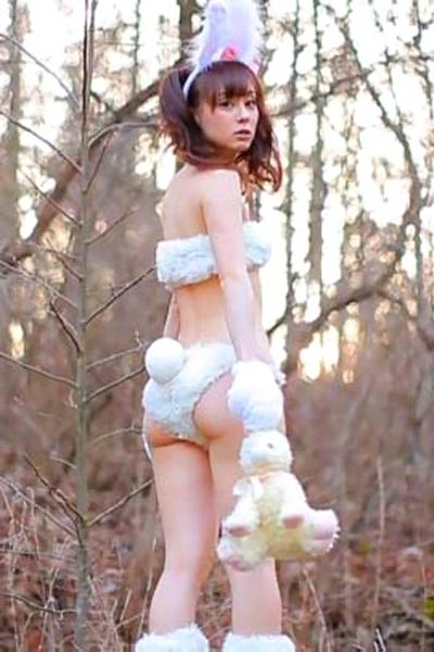 Sweet and charming Girl Rina Akiyama shows off her gorgeous body in The Butt Scene 6