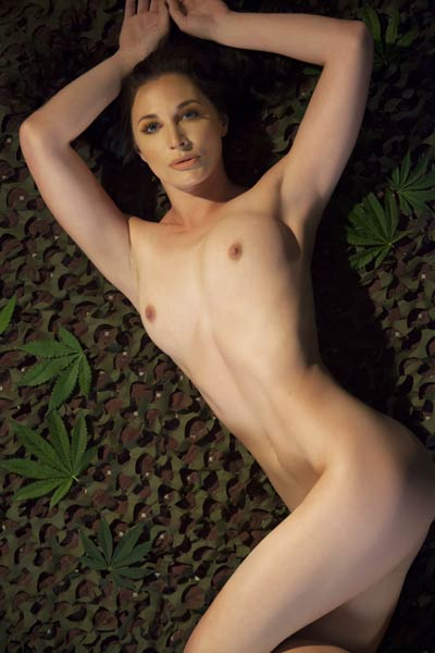Sweet and charming damsel Rae Riley enchanting in Outward Woodwind