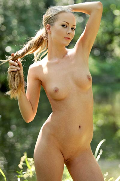 When young Frances gets naked everyone gets horny as well