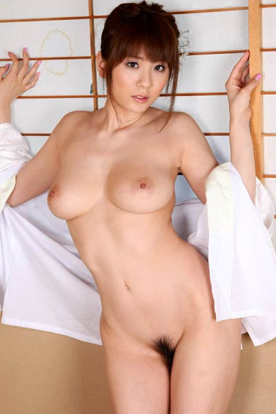 Beautiful Babe Yuma Asami delights us in Tender Touch