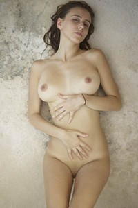 This young lady Alisa I is one stunning chick with body of goddess