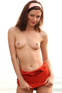Arian is one super sexy slim fit young chick with a lot to show