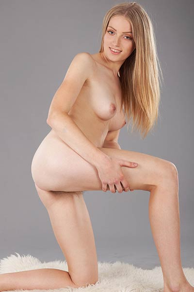 Super sexy young lady knows how to seduce you with her slender body