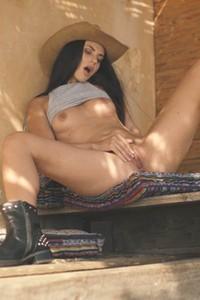 Days in Ibiza are much hotter with this hottie Jasmine Jazz