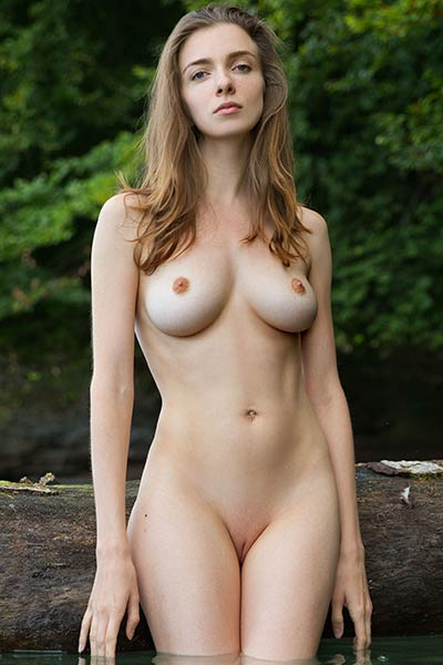 Mariposa gets her self naked for you and she knows to do that the best