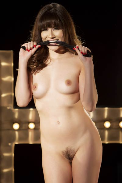 Sweet and charming damsel Shyla Jennings seductive in Key