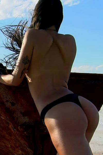 Slender doll with small tits Maarit fingers her love hole outdoors in the desert