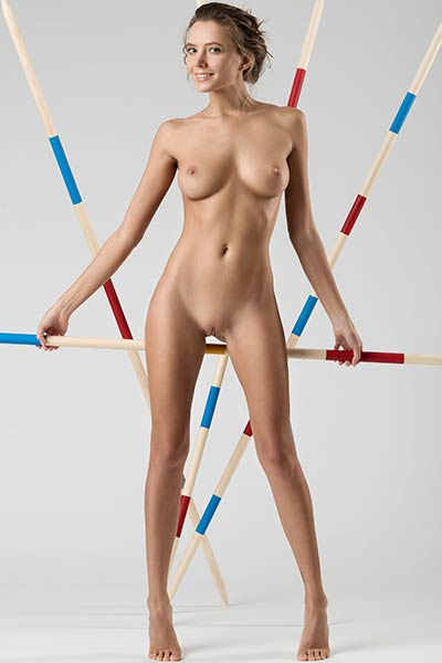 Clover lets you see her slender body for few breathtaking positions
