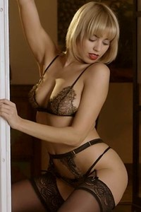 Short haired blonde with nice all natural body Margo Dumas will make you horny