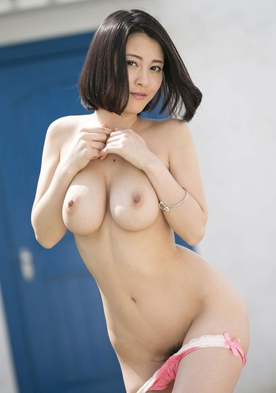 Matsuoka Chi Na in Look Right Here 2 from All Gravure