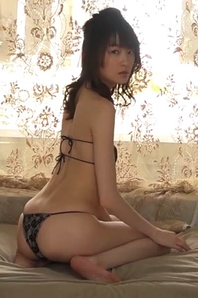 Romantic and effortlessly beautiful All Gravure Girl Ryo Shihono delightfully poses in Spica Scene 1