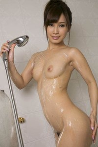 Graceful charmer Kojima Minami delightfully poses in Will You Bathe Me