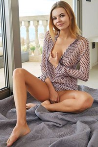 Would you join this superb young girl in some nice one on one action