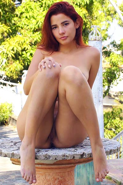Agatha knows how to seduce you with her body twisting