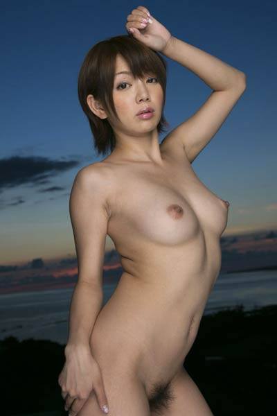 Romantic and effortlessly beautiful vixen Rimi Mayumi shows off her gorgeous body