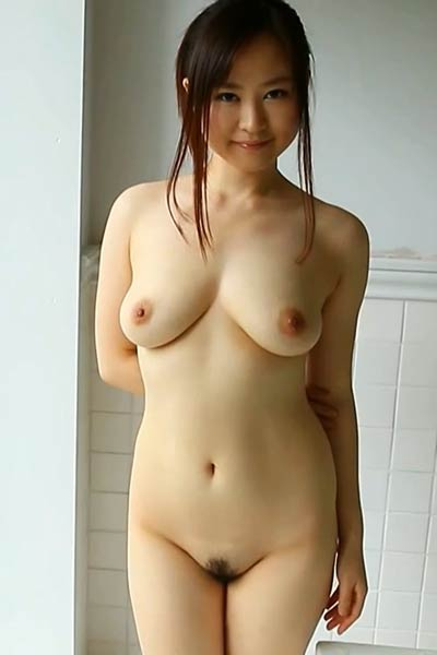 Adorable and playful charmer An Arisawa nude in Midsummer Nude Queen Scene 2