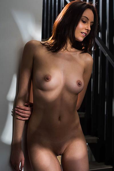 Sade Mare fills her loneliness with seductive posing in solo action