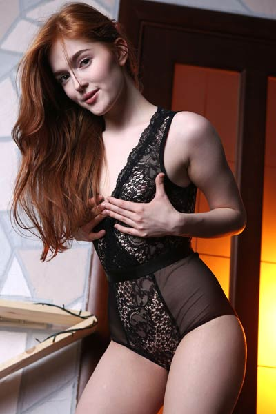 Super sexy ginger hottie Jia Lissa knows some sensual posing skills and she is showing it with style