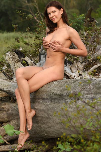 Nice body of exotic brunette takes this thing on whole another level