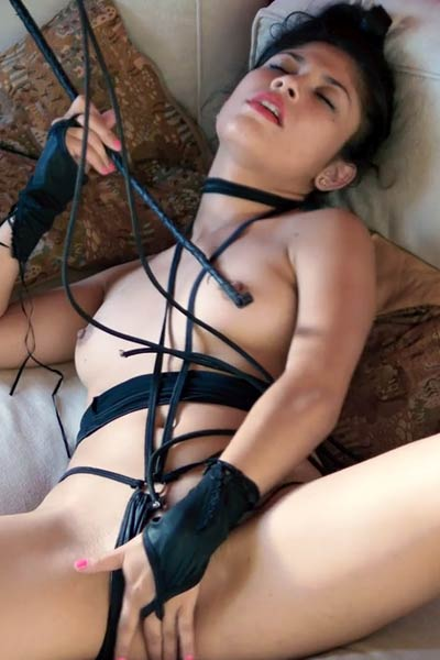 Sexy and naughty Wandy enjoy in and extremely sexy bondage game