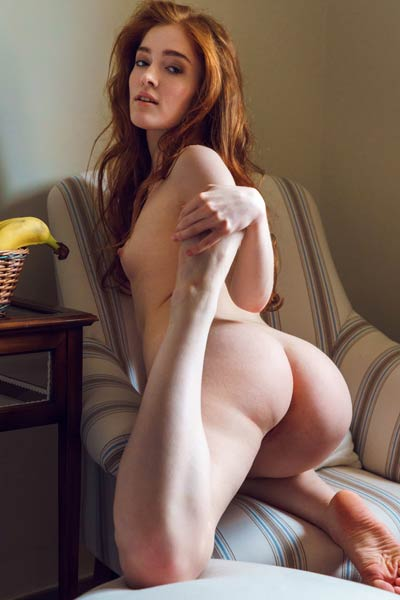 Skinny babe Jia Lissa spreads her legs wide apart to show you her sweet trimmed pussy