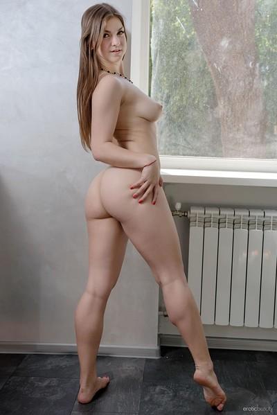 Lili K in Presenting Lili K from Erotic Beauty