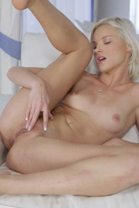 Tempting nubiles beauty Zazie gets nude and nasty in Beautiful Blonde