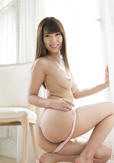 Hatano Yui in Villa Visit from All Gravure