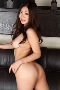 Romantic and effortlessly beautiful damsel Hinme Minori shows off her stunning body