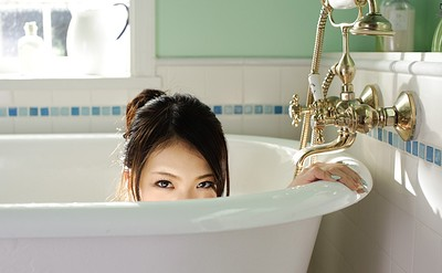 Kana Tsuruta in Bath Time from All Gravure