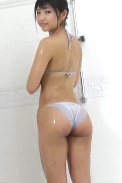 All natural all gravure girl Rina Nagai gets naked and shows her mind-blowing sex appeal