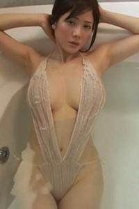 Tempting allgravure girl Mari Takamiya shows her attractive young body in Mari Sanpo Scene 3