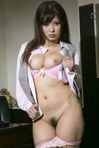 Alluring babe Sato Haruki erotically poses in Conservative Sato