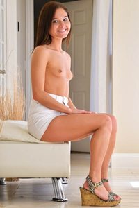 Sexy yet charming ftv girl Zoe delightfully poses in Undress and Spread