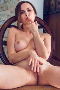 All natural Nasita looks so good in breathtaking posing and undressing action