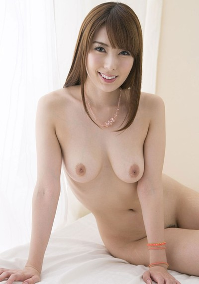 Hatano Yui in Flower Top from All Gravure