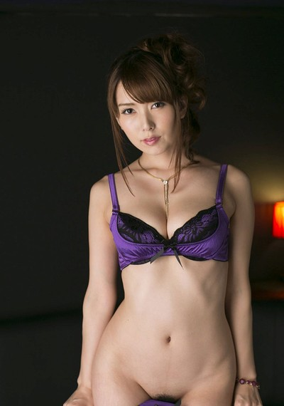 Hatano Yui in Evening Romance from All Gravure