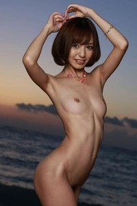 Alluring vixen Harei Ai shows her attractive young body in Against The Sunset