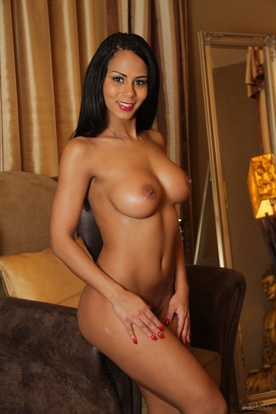 Isabella Chrystin in Presenting Isabella Chrystin from Erotic Beauty