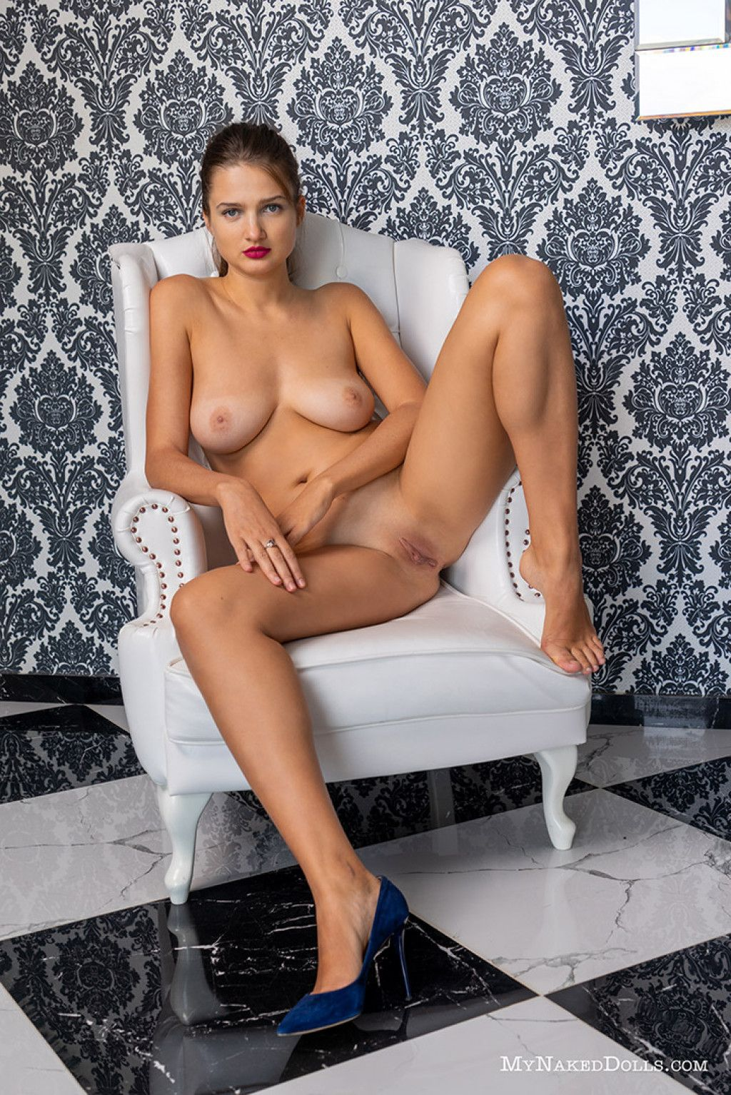 Big sexy girls naked