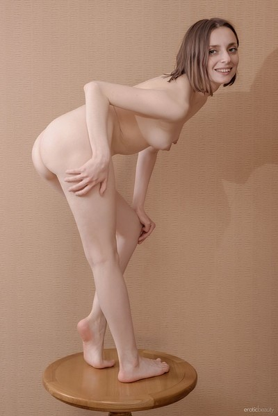 Zhy Zhy in Presenting Zhy Zhy from Erotic Beauty