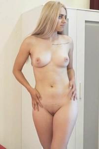 All natural hottie Susann enchanting in First Timer