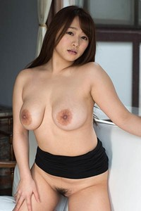 Bloomed allgravure beauty Marina Shiraishi dazzles us with her sexy body in Delicious Portions
