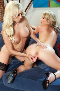 Top class models Jazy Berlin and Samantha Ryan nude in Statuesque